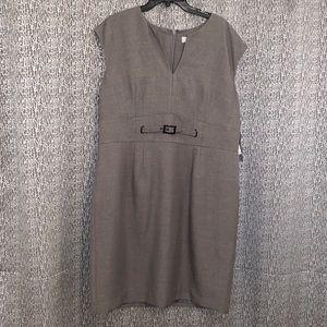 NWT Kasper Short sleeve dress size